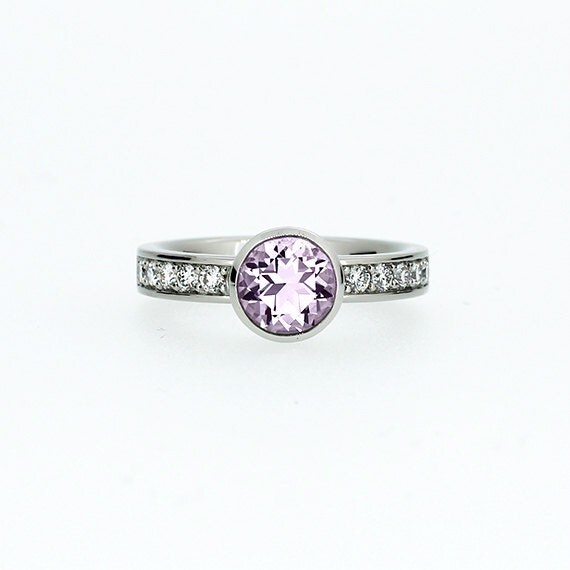 light purple amethyst engagement ring solitaire