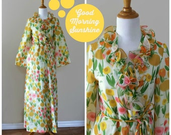 Vintage 70s Leo Narducci for Dorian Floral Lingerie Robe// Ruffled Housecoat// Loungewear// Beach Swimwear Cover Up// Glamour Robe