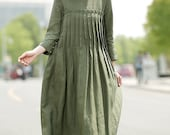 Green Linen Dress - Casual Pleated Loose-Fitting Comfortable Long Maxi Woman's Dress with Pockets C358