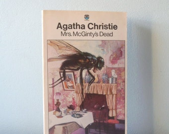Vintage book Agatha Christie Mrs McGinty's Dead
