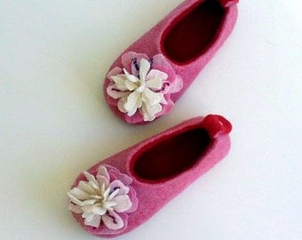 Felted wool slippers / house shoes for children - Girly pink flowers