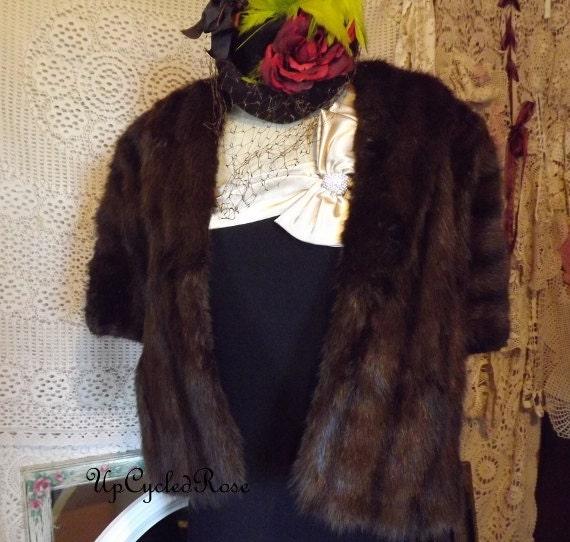 Be Still My Fox Fur Heart Rare  Hollywood Glamour Pin Up Girl Fur Stole Mint Condition