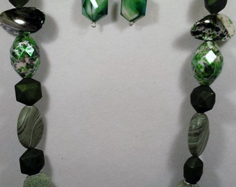 Green beaded necklace & earring set.