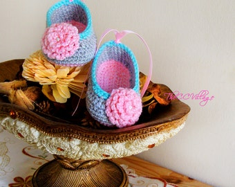 Crochet baby shoes, Grey Pink handmade, Ballerina Baby Girl Crochet Shoes with pink flower