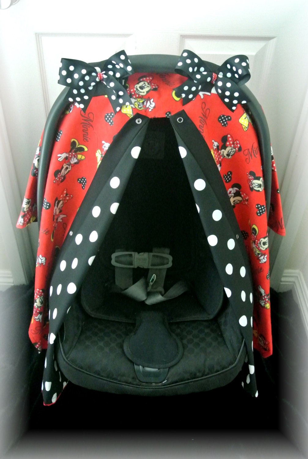 Minnie Mouse Red Anf Black Car Seat Canopy