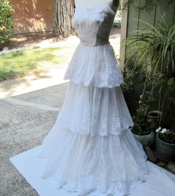 Vintage s wedding dress embroidered