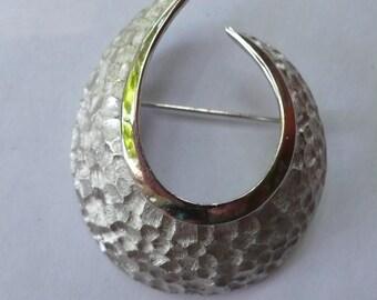 Vintage Silver Tone Swirl Pin