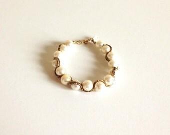 Vintage White Pearl & Chain Bracelet