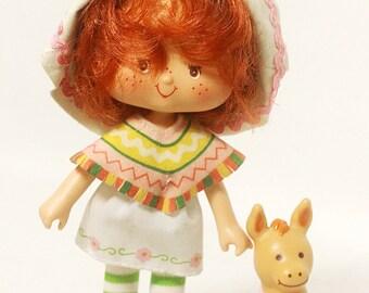 Vintage 1980s Kenner Strawberry Shortcake CAFE OLE doll w/ pet Burrito + Original Box Nice!