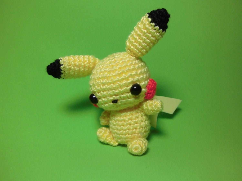Pikachu En Amigurumi : Pikachu Pokemon Amigurumi por LasMilAgujas en Etsy
