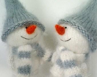 Cute Snowman hand-knitted toy - Amigurumi - Miniature Little Art Doll - Christmas Ornament crochet toy