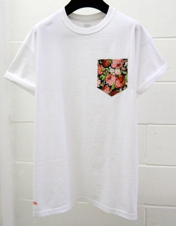 Men 39 s navy blue and pink floral pattern white pocket for Floral mens t shirts