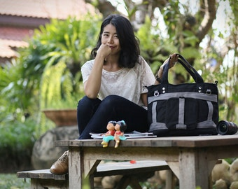 CALLA Special Edition / Grey on Black / Lined with Grey / Ship in 3 days / Adjustable Strap and Elastic Pockets / Diaper bag / Shoulder bag