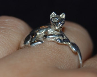 Lounging Curled Up Vintage Artsy Kitty Cat Ring Sterling 925 #BKC-KRNG89