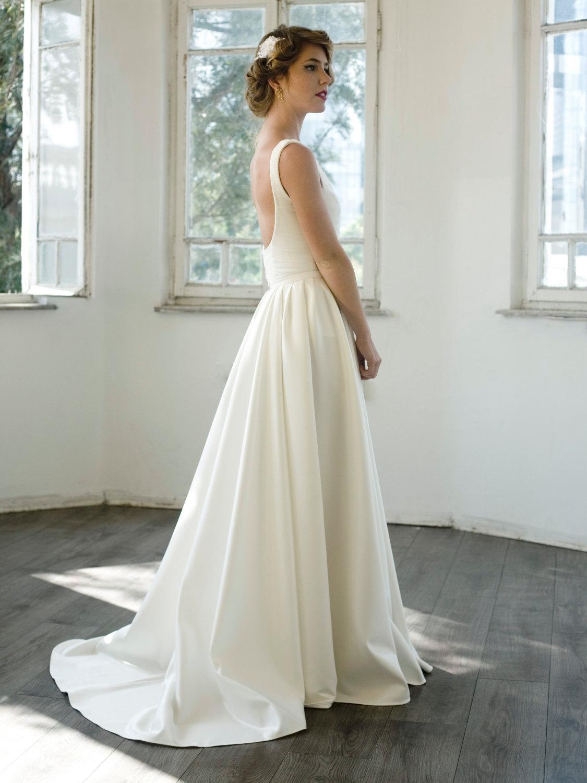 Custom Made Chapel Train Exquisite Wedding Dress Ivory White