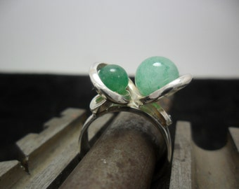 Ring sterling silver adorned with 2 aventurines.
