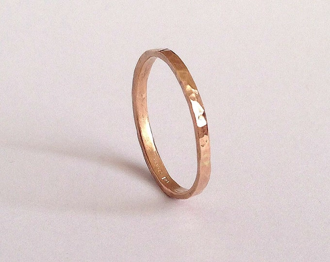 Rose Gold Thin Ring - Wedding Band - Rose Pink Red Gold - 18 Carat - Hammered Texture - Simple - Minimal