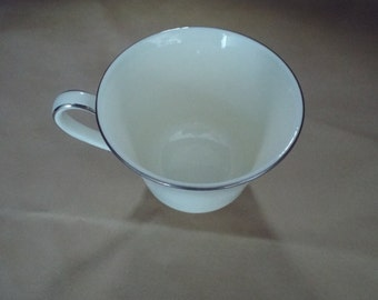 "Royal Doulton Romance Collection ""Carolyn"" cup"