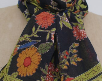 printed cotton stole, multicolored, black base, very light cotton, soft and textured