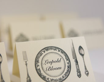 Custom place cards |  Personalized dinner party