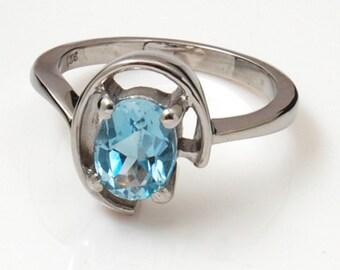 blue topaz ring in 925sterling silver