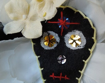 Dia de Los Muertos Brooch or hairpiece, Day of the Dead Sugar Skull hair accessory, Day of The Dead Costume,