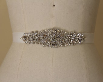 Wedding Belt, Bridal Accessory made of Crystal Rhinestones and Pearls, Bridal Belt, Crystal Wedding Belt.
