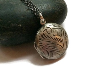 Vintage style locket in solid sterling silver mothers day gift