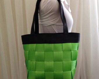Medium Seatbelt Bag - Lime