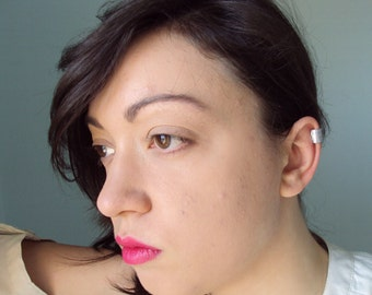 Simple aluminium ear cuff with scratched surface, for non pierced ears