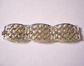Basketweave Lattice Square Links Bracelet Gold Tone Vintage Brushed Lined Flat Braided Bands Raised Rimmed Edge Foldover Clasp