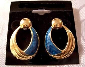 Blue Green Marbled Enamel Pearl Hoop Pierced Earrings Gold Tone Vintage Round Button Door Knocker Style Open Ring Dangles