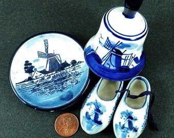 Vintage Delft Smalls Souvenirs Little Shoes Plate and Elesva  829 Bell