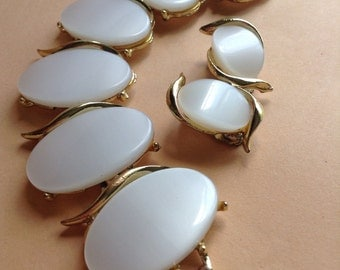 50's Vintage White Oval Moonglow Lucite Thermoset Bracelet Clip Earrings set, mid century, original, Greece