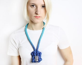 Ombré cotton rope necklace in turquoise with chrome tube