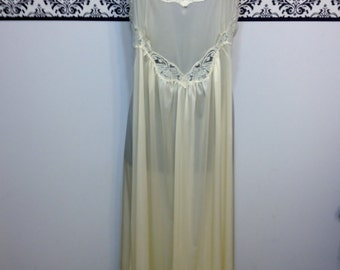 Deadstock Cream 1960's Lily of France Nightgown and Peignoir,  New With Tags, Vintage Pin Up Lingerie, Small / Medium Wedding Lingerie