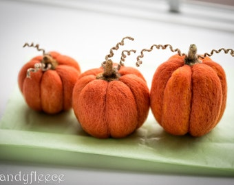3 Felted Pumpkins Fall Autumn Decor Harvest Ornament Thanksgiving Halloween Decoration Orange Felt Pumpkins Rustic Set of 3 Candyfleece UK