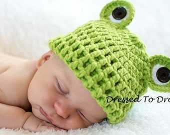Baby Boy Green Crochet Prince Frog Hat Beanie.  Photo Props Costume