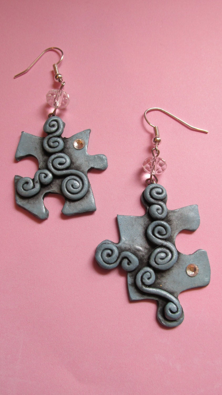 autism awareness puzzle earrings by dragonsdreamsdesigns
