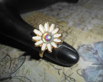 Weiss Daisy  Enameled Flower Ring NBW