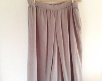 Vintage, extra wide, cropped pants, shorts, culottes.