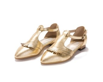 Pointy flat Women's sandals, EDIE FRINGE GOLD, Cut-out, fringed strap, pointy, gold leather flat sandal, on Sale in Etsy