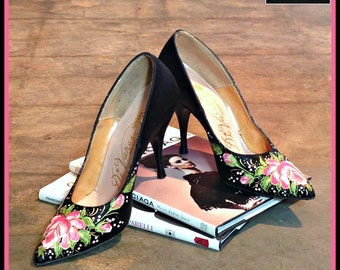Vintage Black Satin Heels Stiletto Pumps with Painted Detail GORGEOUS FREE SHIPPING
