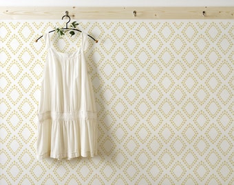 Diamonds Wall Stencil pattern- Scandinavian Wall stencil for DIY project - Wallpaper look and easy Home Decor