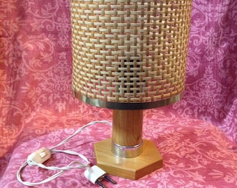 Wicker bedside table lamp