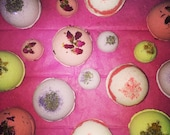 Fizzy and Bubbly Homemade Bath-Bombs! Huge Variety on Scents & Colors from Natural Products.