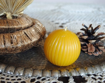 2 x Beeswax Ball Candle - Xmas, Christmas Table Centre Piece - Sphere Beeswax Candle
