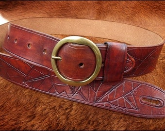 A handmade leather guitar/bass strap by GoodHiding of Chester