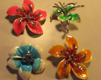 Vintage 60's Lot of 4 Large Enamel Flower Power Pin Brooch