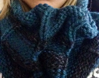 Chunky striped oversized cowl
